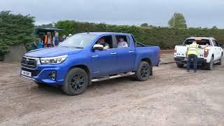 Toyota hilux vs ford ranger tug of war !