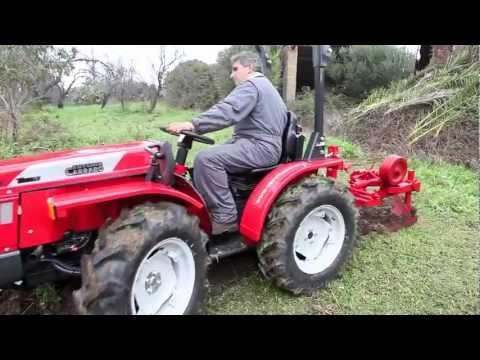 trattore carraro tigre 3200 con aratro bivomere