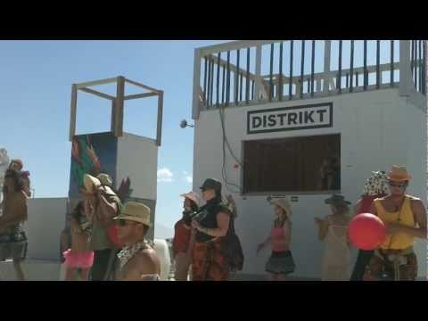 Syd Gris playing at Distrikt - Burning Man 2010