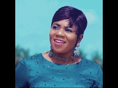 Piesie Esther powerful worship @ Odehyieba Priscilla's launching