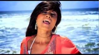 "Sexy Punjabi singer Aiysha Saagar ""Mere Tere Uthe"""