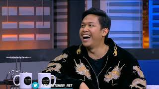 Download lagu Tonight Show   Baskara Putra lebih pilih Hindia atau .Feast   Net Tv   9 Jan 2020   Part 1