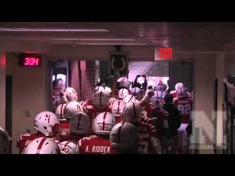 Nebraska Tunnel Walk vs Minnesota 2012 - Tom Osborne Tribute