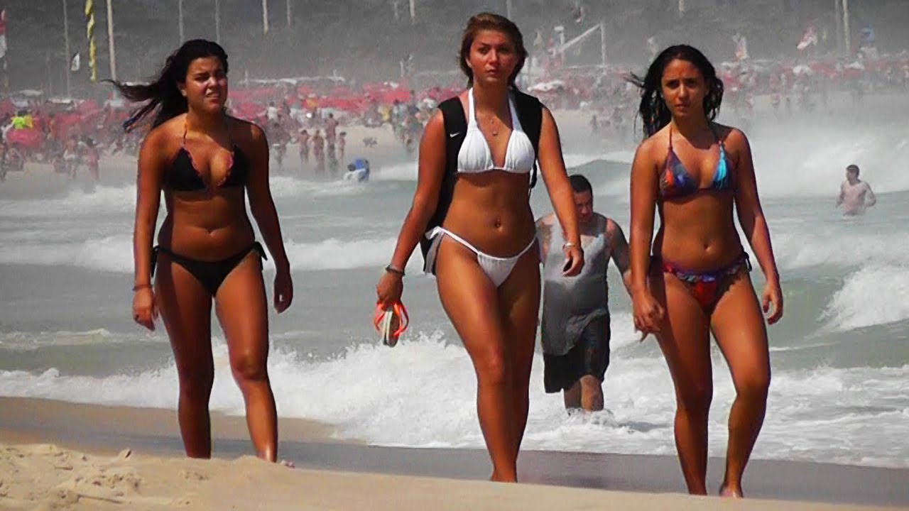 ютуб видео пышные дамы на пляже