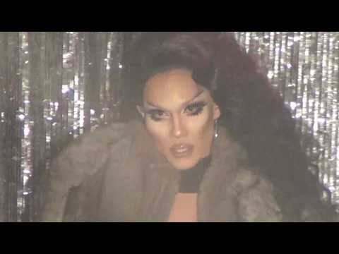 "Kimora Blac: ""Sex-i-fied"" Medley @ Showgirls!"