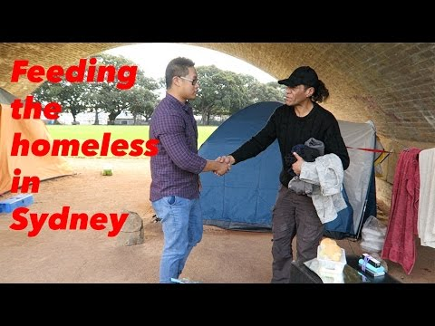 Feeding the homeless in Sydney |Hot food |Fresh fruit |Bread rolls | Warm clothes | Wentworth park