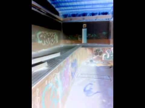 Fantasmas en la piscina de coslada youtube for Piscina coslada