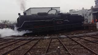 京都鉄道博物館蒸気機関車於旋轉路軌調頭