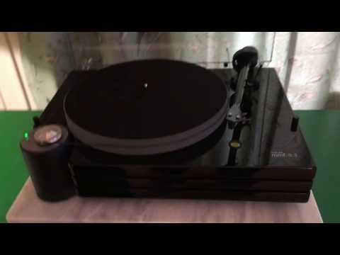 Music Hall MMF-9.3 Turntable.