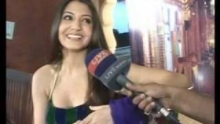 Anushka Sharma n Sharukh Khan.....ek call jo badal sakti hai aapki duniya