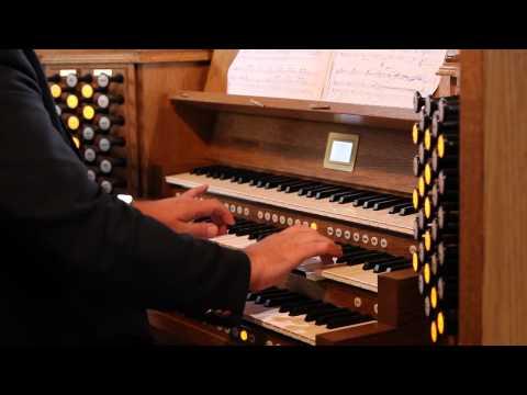 Professor Ian Tracey plays 'Adagio' from Tomaso Albinoni on the  Johannus Ecclesia D-47