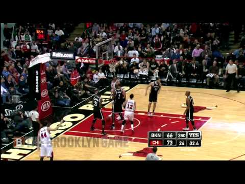 "Kirk Hinrich hits the ""Hinrich Maneuver"""