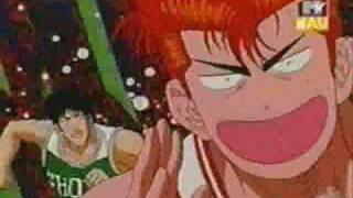 """ecco Hanamichi Sakuragi """"il genio del basket"""" mentre tenta di fare canestro."""