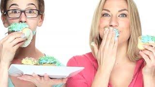 Girls Eating Cupcakes Talk Diet Trends - Thepopfix Episode 3