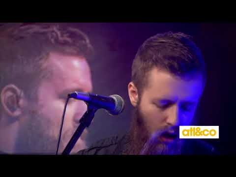 Rising country artist Dylan Jakobsen performs