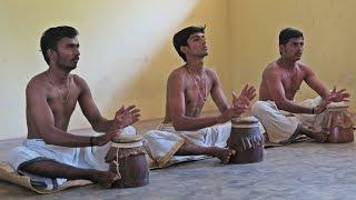 Music class @ Kalamandalam Art School, Kerala, India | Sunshine.bg