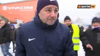 Феновете на Левски спряха Славиша Стоянович за разговор