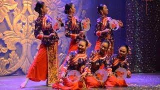 Tarian Kipas @ Panggung Seni Tradisional 2013 (4) - Stafaband