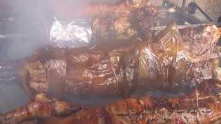 Repeat youtube video Drugovac Djordje Mitrovic pece na mangalo 19.1.2013  N.M