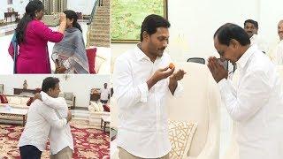 AP CM YS Jagan Meets KCR @ Pragathi Bhavan | KTR | Manastars