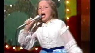 "Lena Zavaroni Sings ""Mama"" on Tonight Show"