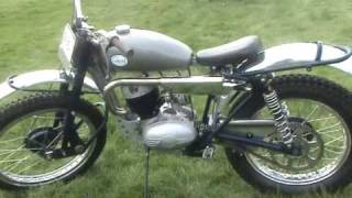 VINTAGE & CLASSIC MOTOR BIKES AT HANBURY EASTER 2011