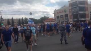Массовой драка между фанатами Динамо и спартаковскими болельщиками  Тула  Матч Арсенал ДинамоМосква