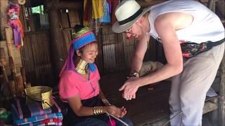Street Magic in Thailand - Chris Cross the Magician