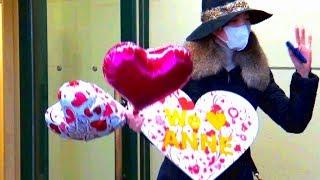 バレンタインの日でした 多くのジェンヌさんがそれぞれプレゼントを手に...
