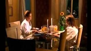 Baixar Clara e Rafaela - Jantar / Beijo fora de cena 02