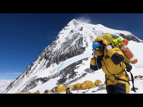 2018 Nepal Bans Solo Climbers from Mount Everest Under New Rules
