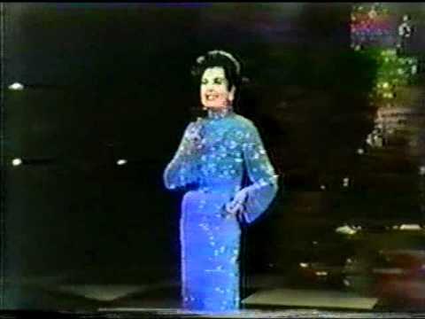 Ann Miller 1982 Mike Douglas.avi