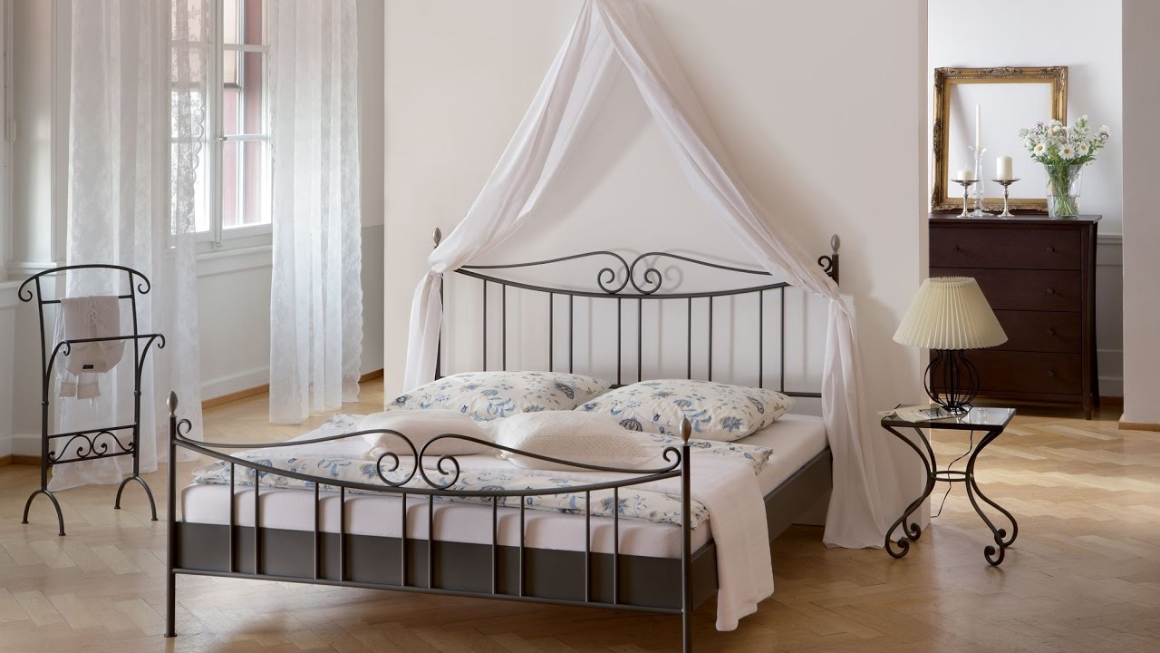 metal platform bed frame queen