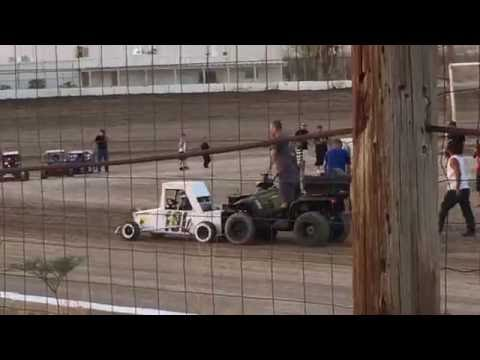 Gott Family Racing at Pahrump Valley Speedway...Heat Race 30July2016