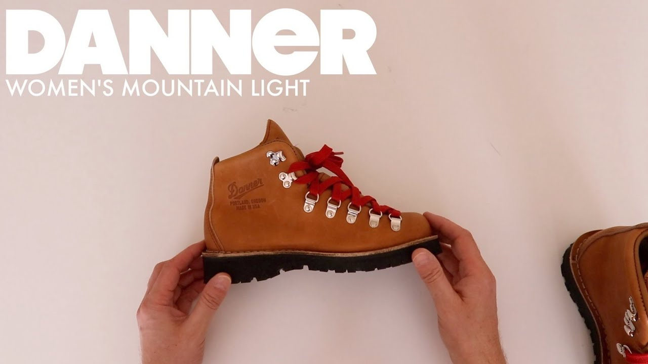 cae89817563 DANNER #31521 | WOMEN'S MOUNTAIN LIGHT CASCADE [ The Boot GUy Reviews ]