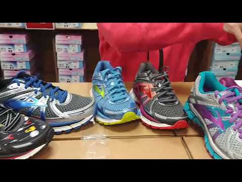 brooks-adrenaline-gts-17-at-shoes-on-a-shoestring