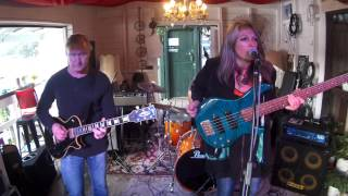Rebecca Johnson Band *YOU HAVEN`T DONE NOTHING* Live @ The Co-Op Club (20/9/15)