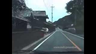 [V0006] 030814 島根県道2号で境水道沿いに差し掛かり国道431号境水道大橋から前方に美保湾を見おろす Japanese country roads; Sakai-suido Bridge