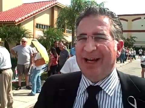 Joe Garcia at early voting in FL-25