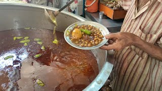 Lahori Chikar Cholay | Egg Anda Chana with Tandoori Naan | Lahori Nashta at Street Food of Karachi