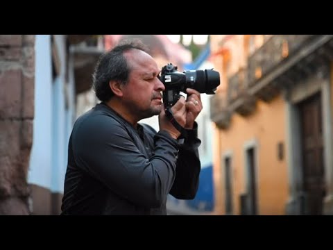 Armando Flores heads to Guanajuato for some street photography with the SP 45mm.