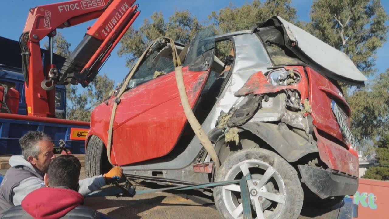 388da0716f7 Αυτοκίνητο έπεσε στις ράγες του Ηλεκτρικού στο ύψος της Κηφισιάς ...