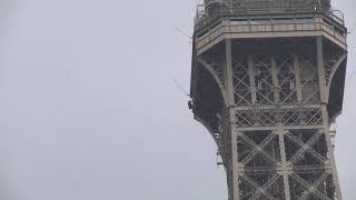 BREAKING NEWS |  Eiffel Tower Evacuated After Climber Caught Scaling Paris Landmark