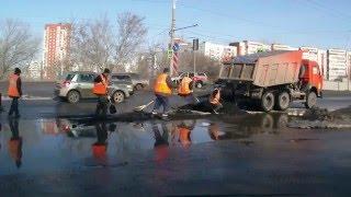 Дорожные работы по-русски Repair of roads in Russia(, 2016-03-30T08:32:02.000Z)