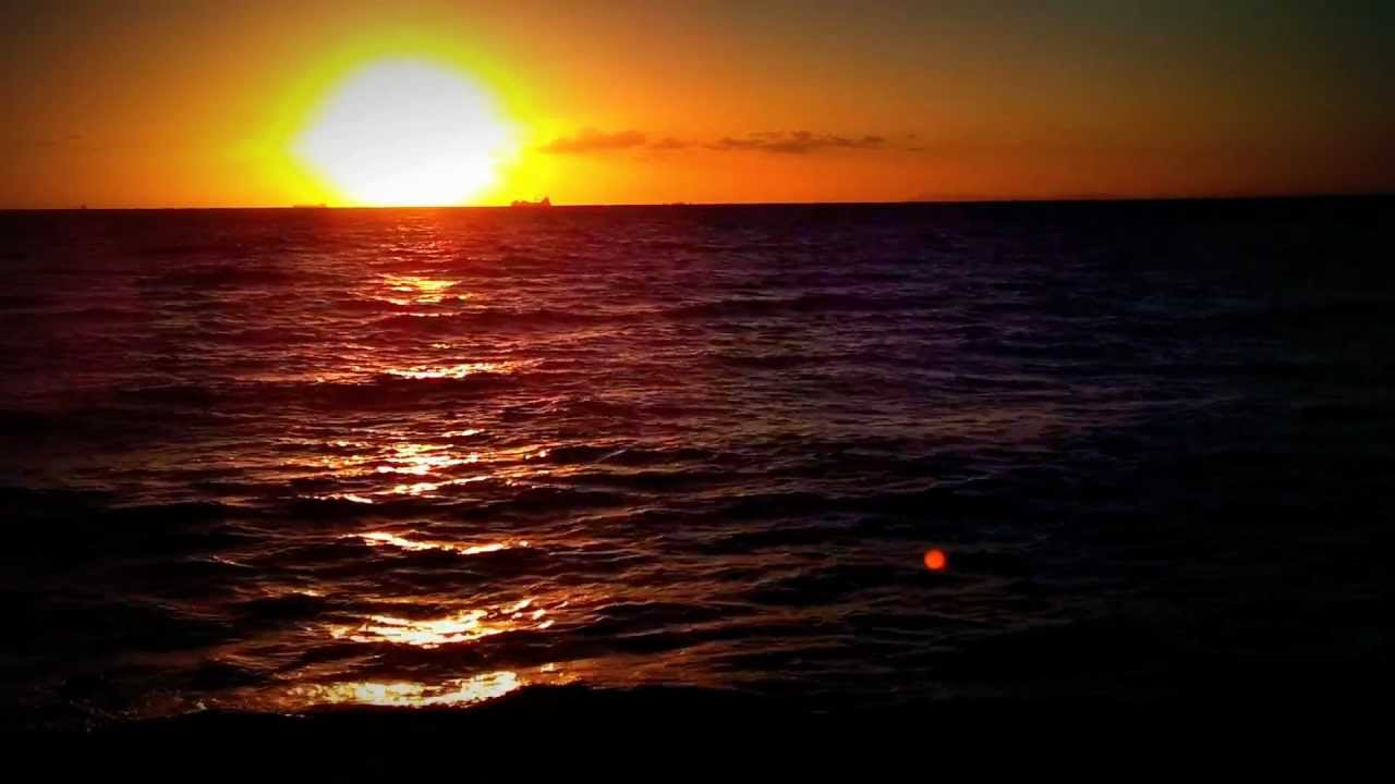 Falling Water Hd Wallpaper Amazing Beach Sunset With Calm Ocean Waves In Melbourne