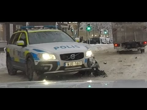 Grand Theft Auto STOLEN truck! Police V90 Cross Country in snowy Sweden! Active Driving Encounters