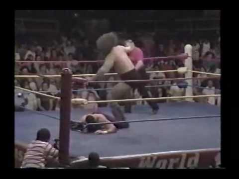 Texas Red (The Undertaker) vs. Bruiser Brody