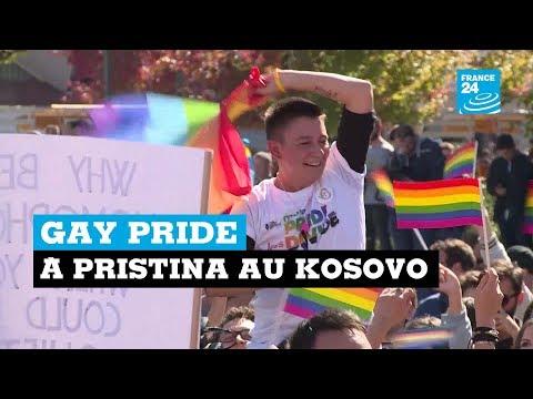 Première Gay pride dans les rues de Pristina au Kosovo