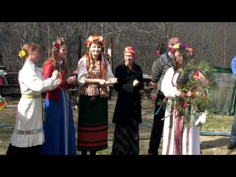 Ребята из фольклорной студии «Жаворонки» исполнили русские народные песни