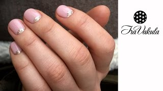 Half Moon with Golden Glitter Nail Art - Дизайн ногтей: Лунный маникюр с золотыми блестками
